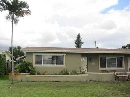 8940 NW 26th St - Photo 1