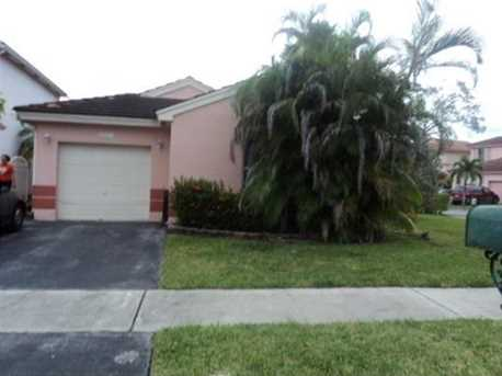 18841 NW 19th St - Photo 1