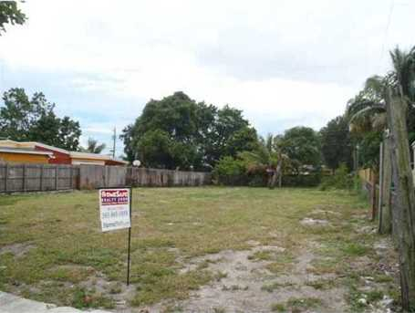 3260 NW 98 St - Photo 1