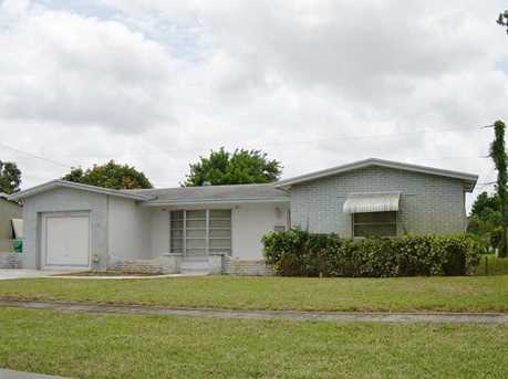 4540 NW 24 St - Photo 1