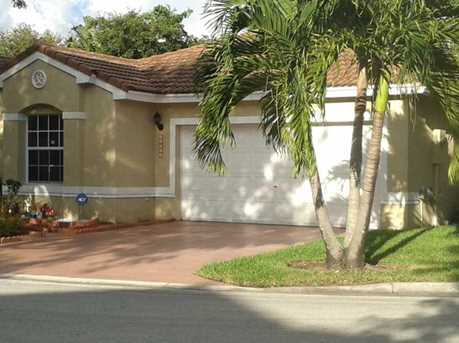 11201 NW 46th Dr - Photo 1