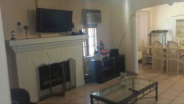 1860 Nw 22 Ct - Photo 1