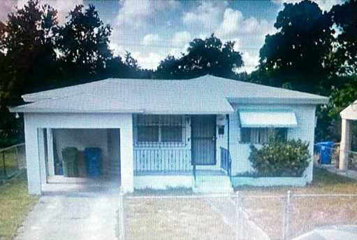 1435 Nw 38 St - Photo 1
