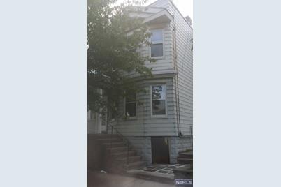 304 Chestnut Street - Photo 1