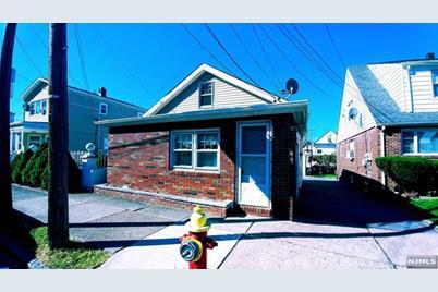 62 Howard Street - Photo 1