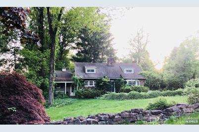 219 Werimus Road, Woodcliff Lake, NJ 07677