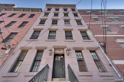 221 Clinton Street #2R - Photo 1
