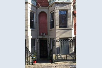117 Bloomfield Street #3B - Photo 1